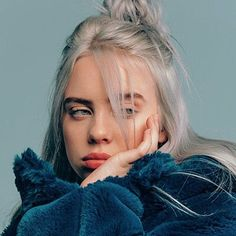 Read from the story Billie Eilish ( photos ) by (Xanny.billie 💋) with reads. Billie Eilish, Wallpaper Collage, Cartoon Wallpaper, Messy Monday, Black And White Outfit, Pet Spider, Videos Instagram, Album Cover, Style Casual