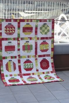 Red in Oz: Vintage Holiday Quilt Along