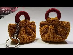 """How to do a crochet"""" little sweet bag"""" 💕Tutorial easy crochet💕 Crochet Keychain Pattern, Crochet Doll Pattern, Crochet Blanket Patterns, Crochet Dolls, Crochet Stitches, Accessoires Barbie, Sweet Bags, Black And White Baby, How To Start Knitting"""