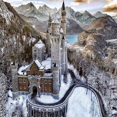 Neuschwanstein Castle This was an inspiration for Disneys Sleeping Beauty castle and its sometimes called castle. If you are planning to go to in Central The post Neuschwanstein Castle appeared first on Deneme. Beautiful Castles, Beautiful Places, Beautiful Pictures, Wonderful Places, Beautiful Sky, Wonderful Picture, Beautiful Buildings, Amazing Photos, Beautiful Landscapes