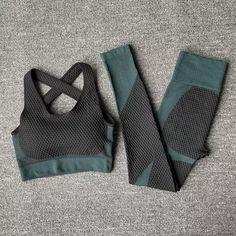 • 4 Colours • Sizes 6-14 • £25 Tops For Leggings, Sports Leggings, Workout Leggings, Women's Leggings, Suits For Women, Fit Women, Crop Top Jacket, Yoga Bra, Spandex