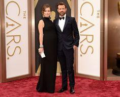 And the award for best dressed couple goes to Olivia Wilde and Jason Sudeikis. Olivia Wilde, Soirée Des Oscars, Academy Awards 2014, Prada, Valentino, Jason Sudeikis, Oscar Fashion, Good Attitude, Maternity Fashion