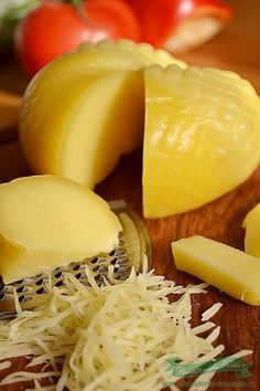 Am primit mai multa branza de vaci si cum am ramas fara cascaval am zis sa… Whole Food Recipes, Dog Food Recipes, Vegetarian Recipes, Cooking Recipes, Healthy Recipes, Healthy Food, Homemade Cheese, Homemade Baby Foods, Romania Food