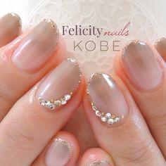 ネイル 画像 Felicity nails神戸 鈴蘭台 1234761 グレージュ グラデーション ビジュー 秋 オフィス ソフトジェル ハンド ミディアム