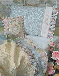 divinespirit3:  (via ~ Floral Cottage ~)  http://ladylimoges.tumblr.com/post/51311679899/divinespirit3-via-floral-cottage