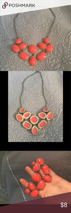 Coral color statement necklace Used coral color necklace Jewelry Necklaces