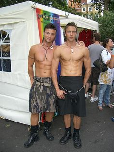 #YoungGuys #SexyMen #Sexy #Jock #Gods #Adonis #Stud #MuscleMen #Muscle #RippedAbs #Kilts