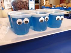 Red for Elmo! MBC: Gracies Cookie Monster Party - googly eyes on anything blue Monster 1st Birthdays, Monster Birthday Parties, Elmo Party, Minion Party, Baby Party, First Birthday Parties, First Birthdays, Kid Parties, Baby Boy 1st Birthday