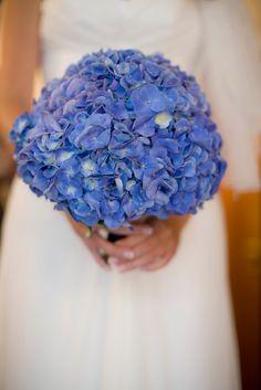 Blue hydrangea bouquet - deeevine
