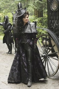 evil queen from once upon a time costume   Once-Upon-a-Time-Evil-Queen-once-upon-a-time-30696178-333-500.jpg- The inspo for my Halloween costume