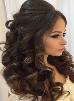 Retired curls hairstyles and style ideas for women with long curls … - Lange Haare Ideen Wavy Wedding Hair, Wedding Hairstyles For Long Hair, Wedding Hair And Makeup, Bride Hairstyles, Bridal Hair, Cool Hairstyles, Hairstyle Ideas, Hair Ideas, Curly Hair Styles Wedding