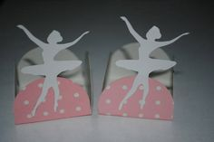 Forminhas para doce decoradas com scrapbook.    Tema, cores e detalhes a escolha do cliente. R$ 0,70