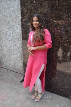 Vidya Balan spotted at Radio Mirchi office in a lovely chiffon pink suit. #Bollywood #Fashion #Style #Beauty
