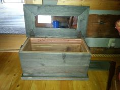 Rustic Cedar Line Chest with Real Horseshoe Handles www.toddsrusticcreations.com