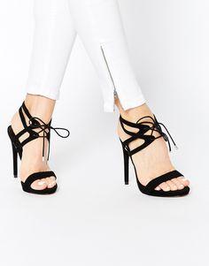 Sandalias de tacón con cordones