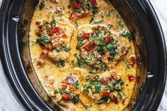 CrockPot Tuscan Garlic Chicken With Spinach and Sun-Dried Tomatoes Crock-Pot Tuscan Garlic Chicken Recipe – Packed with flavors and so easy to prep! This crockpot chicken recipe makes an easy keto & low carb dinner the family will love. Loaded with fresh… Tuscan Garlic Chicken, Garlic Chicken Recipes, Keto Chicken, Chicken Soup, Chicken Casserole, Tuscany Chicken Recipe, Garlic Ideas, Crock Pot Tuscan Chicken, Garlic