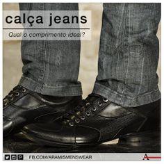 O comprimento de uma barra errada pode estragar todo o visual. No caso das calças jeans, deve cair levemente sobre os pés. #estiloaramis #aramismenswear