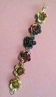 Christys Stitches: Upcycled flower jewelry from aluminum cans Aluminum Can Crafts, Metal Crafts, Pop Can Art, Pop Can Crafts, Soda Tab Crafts, Recycled Art Projects, Upcycled Crafts, Do It Yourself Jewelry, Pop Cans