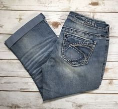 Women Silver Jeans Capri Mid Rise Aiko Light Cropped Distressed Crop 25 28 32 34