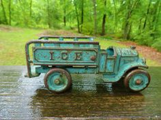 VTG Antique 1930s ARCADE or KENTON CAST IRON TOY Blue Ice Truck Car