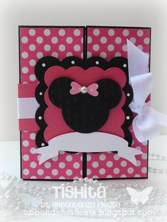Invitación Minnie Mouse! Minie Mouse Party, Fiesta Mickey Mouse, Mickey Minnie Mouse, Girls 3rd Birthday, Mickey Party, Mickey Mouse Birthday, Mini Scrapbook Albums, Wedding Scrapbook, Disney Scrapbook
