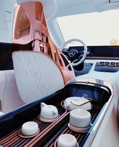 The new Vision Mercedes-Maybach 6 Mercedes Maybach, Mercedes Auto, Fancy Cars, Cool Cars, Bugatti, Top Luxury Cars, Lux Cars, Billionaire Lifestyle, Expensive Cars