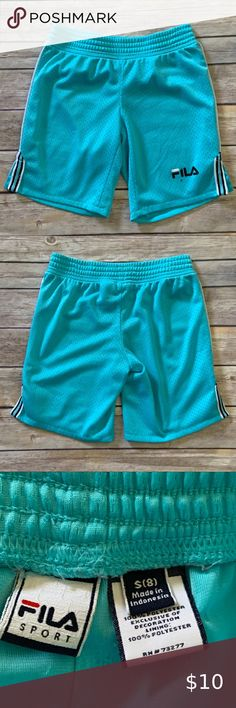 Light Blue Striped NWOT B Sport Womans Exercise Shorts Stretch Polyester Large
