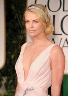 Charlize Theron                                                                                                                                                     Mehr