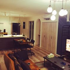 odennさんの、Lounge,エアプランツ,引っ越し直後,注文住宅,造作洗面,アーチ垂れ壁,リクシルのファミリーライン,Dフロア ホワイトオーク,サンゲツアについての部屋写真
