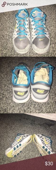 🏃🏃Nike Fit Sole Running Shoes🏃‍♀️🏃‍♀️ 🏃‍♀️🏃‍♀️Nike running shoes with mesh! Very Comfortable shoes. Slightly worn but still a great shoe for walking and running! ‼️Make an offer please‼️ Nike Shoes Athletic Shoes