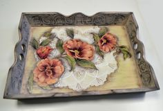 Bandejas trabajadas con pintura y decoupage Painted Trays, Painted Boxes, Painting Frames, Painting On Wood, Decor Crafts, Diy And Crafts, Decoupage Wood, Oil Painting Pictures, Plates On Wall