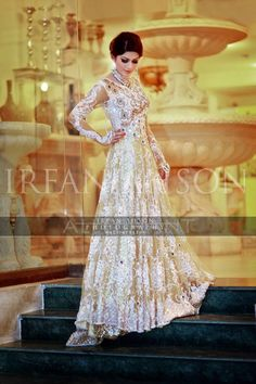 Newest Bridal Engagement Dresses Trends & Designs Collection Pakistani Bridal Wear, Pakistani Wedding Dresses, Pakistani Outfits, Indian Dresses, Indian Outfits, Bridal Wedding Dresses, Desi Wedding, Wedding Band, Desi Bride