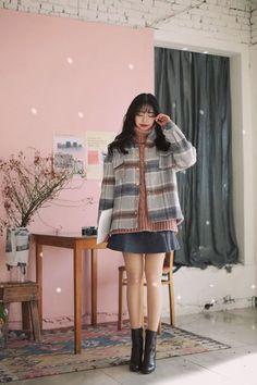#milkcocoa(MT) Winter daily 2017 feminine& classy look #KoreanFashionTrends