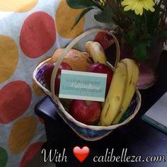 With ❤️ calibelleza.comWith ❤️ calibelleza.comA small present from us to our clients when they come home from surgery. Lots of vitamins   Un pequeño detalle a nuestras pacientes cuando llegan a casa de la cirugía. Muchas vitaminas!  Een klein presentje voor onze patiënten als ze weer thuis komen na de operatie. Vitamientjes!   #freshfruit #fruitbasket #getwellsoon #recovery #recoveryhouse #rh #calibelleza #cali #colombia #frutas #frutasfrescas #detalles #recuperación #casaderecuperacion…