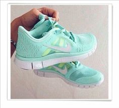 I got a nike shoes in google search,very good service and nice nike roshe shoes.