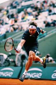 Neither fashion guru nor tennis expert, but I as a casual fan of both I wanted to chronicle some of my favorite looks. Tennis Photos, Tennis World, Nba Wallpapers, French Open, Tennis Dress, Action Poses, Tennis Players, Tennis Racket, Cheerleading