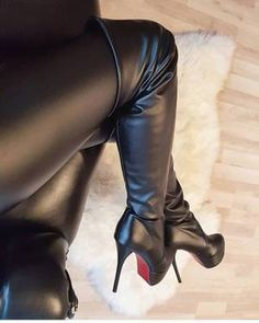 Who wears thigh high boots? Thigh High Boots, High Heel Boots, Knee Boots, Heeled Boots, Boot Heels, Shoes Heels, Hot High Heels, Platform High Heels, Sexy Heels