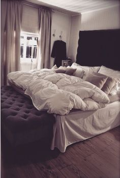 Bedroom inspiration - love the plush bedding, but maybe in the slate gray color of the bench instead of plain white.