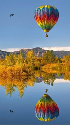 """hot air balloon from androidzoom"" by Dawn Zlin, Flickr"