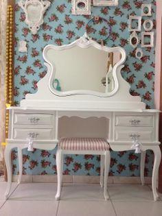 Ateliando - Customização de móveis antigos: Galeria Penteadeiras Antigas  Modelo Feira CASAR 2013, feita espcialmente para o evento!