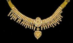 http://www.turkishculture.org/showpic.php?src=images/image_all/Jewelry/Gold/jewelry17.jpg