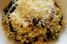 Tarhoňa s baby špenátem a sušenými rajčaty No Salt Recipes, Bon Appetit, Vegan Vegetarian, Food And Drink, Rice, Lunch, Healthy Recipes, Dinner, Cooking