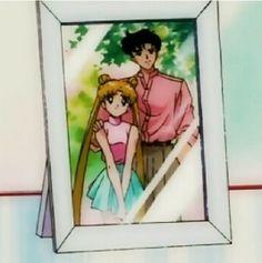 Usagi and Mamoru Sailor Moon Y Darien, Sailor Moom, Sailor Moon Usagi, Sailor Moon Art, Sailor Jupiter, Sailor Moon Crystal, Sailor Scouts, Sailor Moon Aesthetic, Tuxedo Mask
