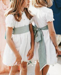 COLECCIÓN DE ARRAS - Encarga tus arras en Atelier La Nonna Spanish Dress, Wedding Flower Girl Dresses, Flower Girls, Spanish Wedding, Spanish Fashion, Kids Boutique, Wedding Goals, Dream Wedding, Wedding With Kids