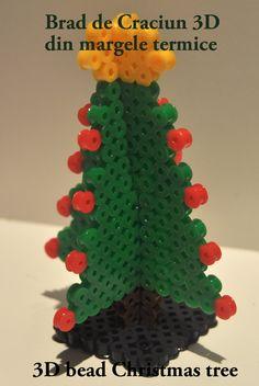 Brad de Craciun 3D, din margele termice / 3D Christmas Tree made of beads / http://raluca.zagura.ro/margelim-maria-ta/