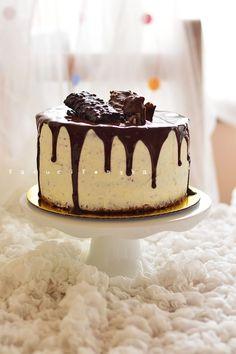 50 g étcsokoládé 25 g vaj Macaron Flavors, Macaron Recipe, Vanilla Macarons, Russell Hobbs, Macaroons, Cake Cookies, Tiramisu, Make It Simple, Muffin