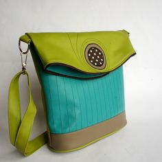 z kazdy strany jina Craft Bags, Purses, My Style, Green, Crafts, Leather Bags, Stuff To Buy, Inspiration, Fashion