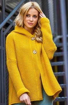 Makadamia S70 sweter musztardowy Wygodny sweter damski w pięknym musztardowym kolorze, świetnie sprawdzi się na co dzień, sweter posiada lekki krój oversize co gwarantuje wygodę noszenia Turtle Neck, Cardigans, Model, Fashion, Moda, Fashion Styles, Scale Model, Fasion