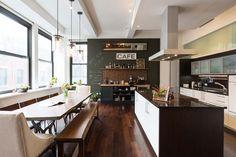 Le tableau noir dans une cuisine apporte un côté joyeux et convivial