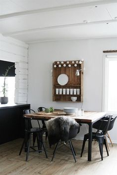 Upcycled wooden planks + BEKANT industrial legs = dream dining table   Ideas from Camilla at caisak.com   live from IKEA FAMILY